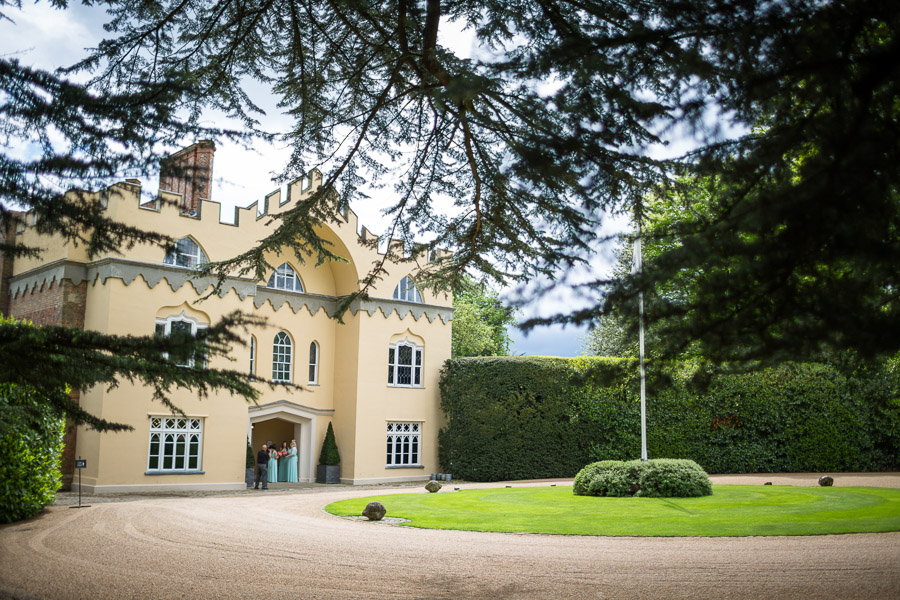 Beautiful Buckinghamshire wedding with photos by S2 Photography (12)