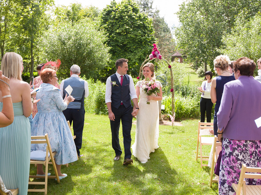 Outdoor wedding in Worcestershire, Bodenham Arboretum - Clive Blair Photography on the English Wedding Blog (14)