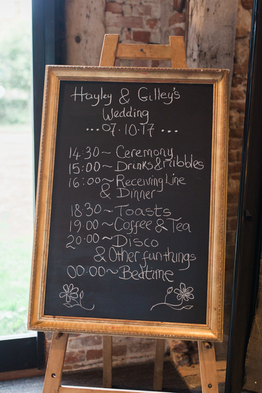 Vintage wedding ideas at The Great Lodge Essex with Gemma Giorgio Photography (13)