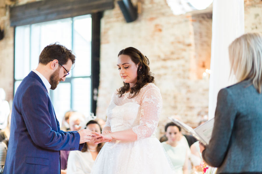 Vintage wedding ideas at The Great Lodge Essex with Gemma Giorgio Photography (16)