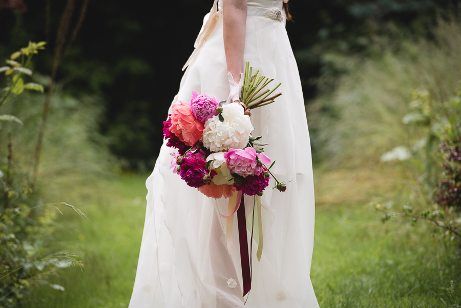 Peony wedding inspiration on the English Wedding Blog, images by Heline Bekker (22)