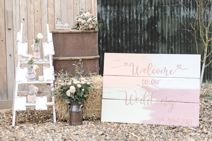 Blush, peach and gold wedding inspiration with Steph Yeo Photography on the English Wedding Blog (12)