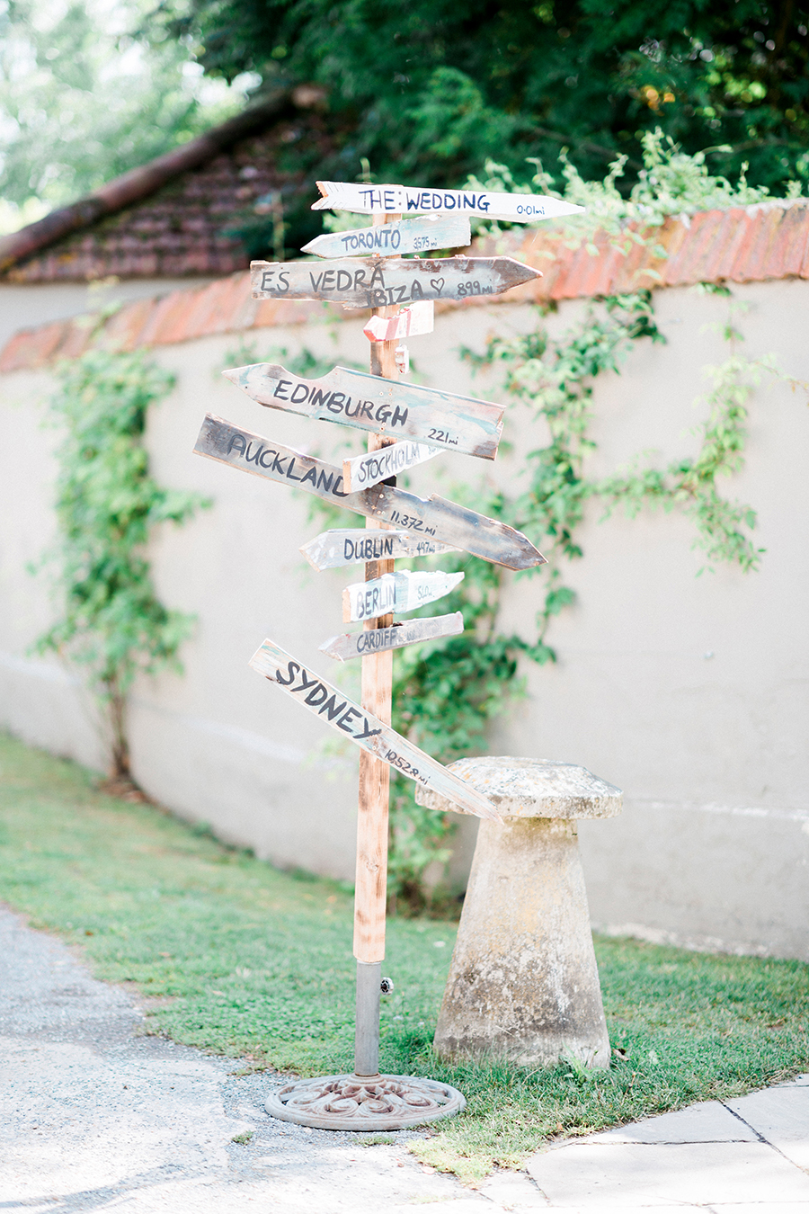 Dreamy boho wedding at Houchins Farm with images by Kathryn Hopkins Photography (7)