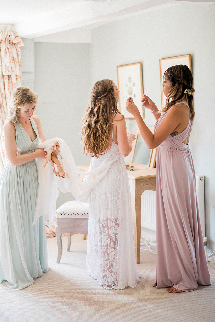 Dreamy boho wedding at Houchins Farm with images by Kathryn Hopkins Photography (4)