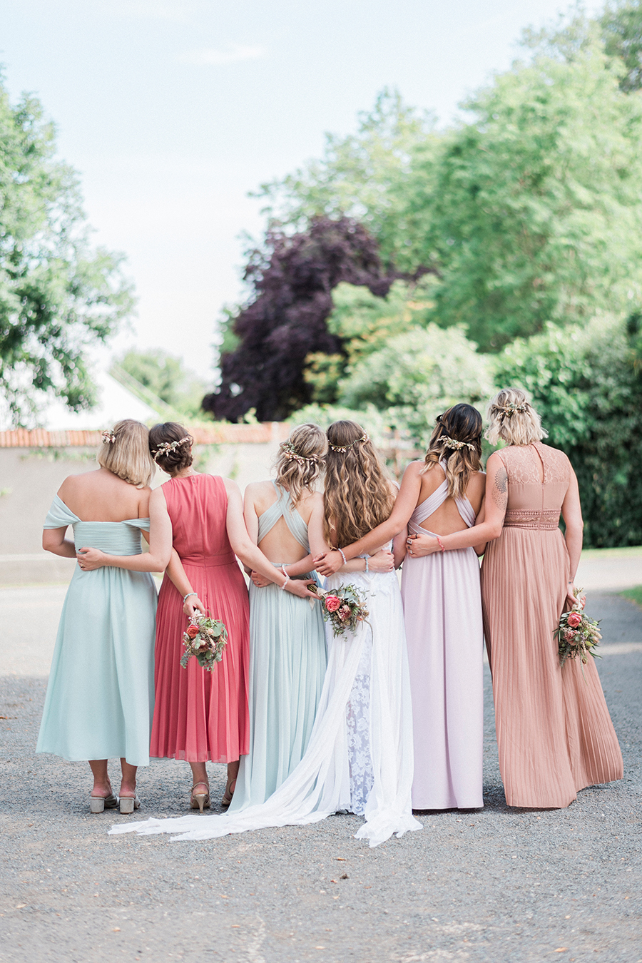 Dreamy boho wedding at Houchins Farm with images by Kathryn Hopkins Photography (24)
