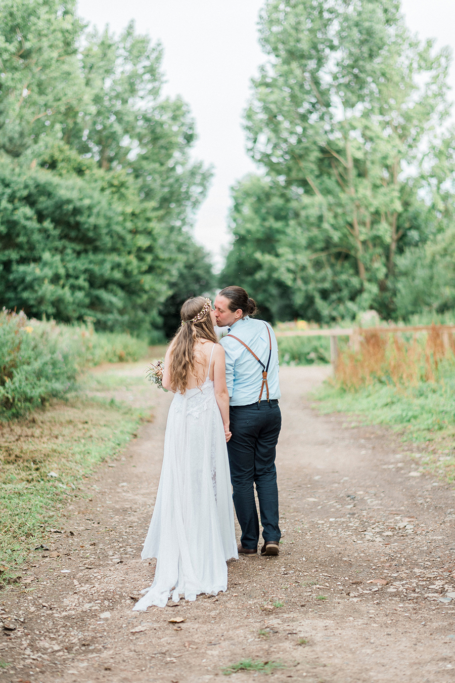 Dreamy boho wedding at Houchins Farm with images by Kathryn Hopkins Photography (29)