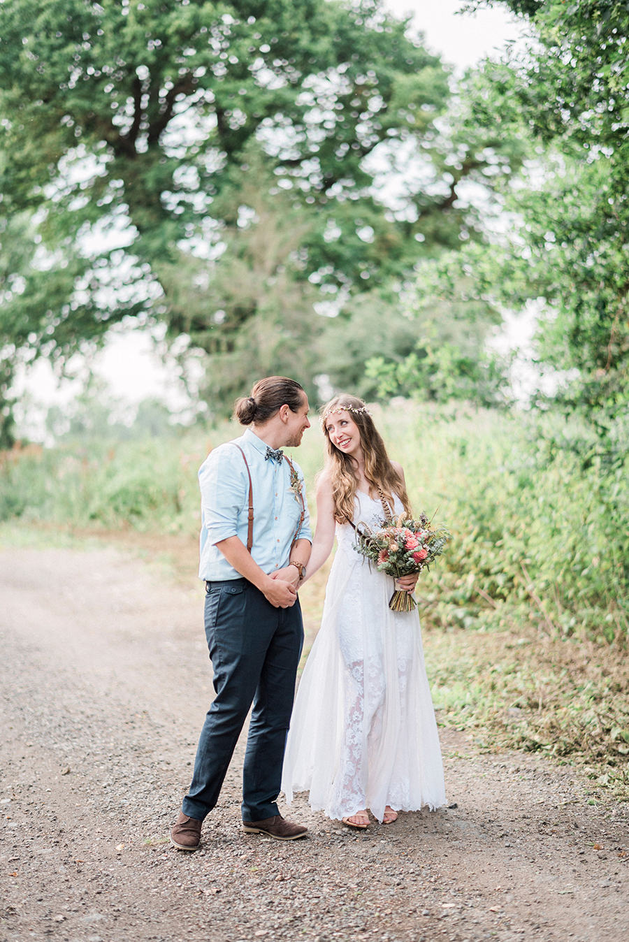 Dreamy boho wedding at Houchins Farm with images by Kathryn Hopkins Photography (32)