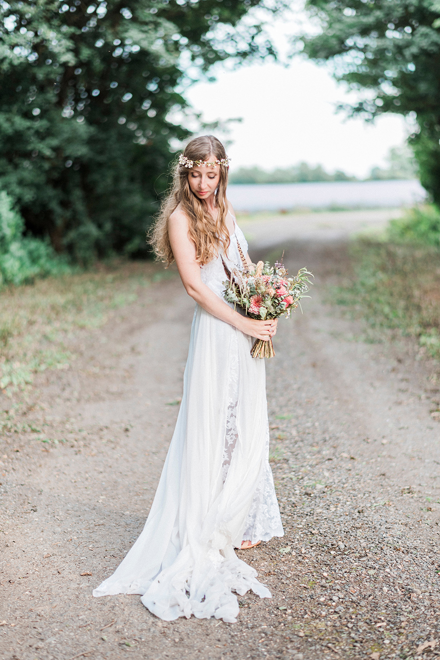 Dreamy boho wedding at Houchins Farm with images by Kathryn Hopkins Photography (33)
