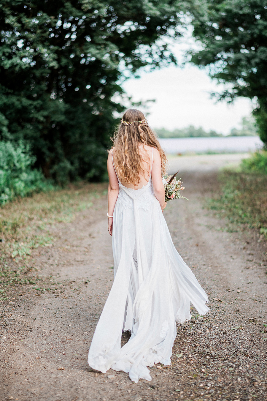 Dreamy boho wedding at Houchins Farm with images by Kathryn Hopkins Photography (34)
