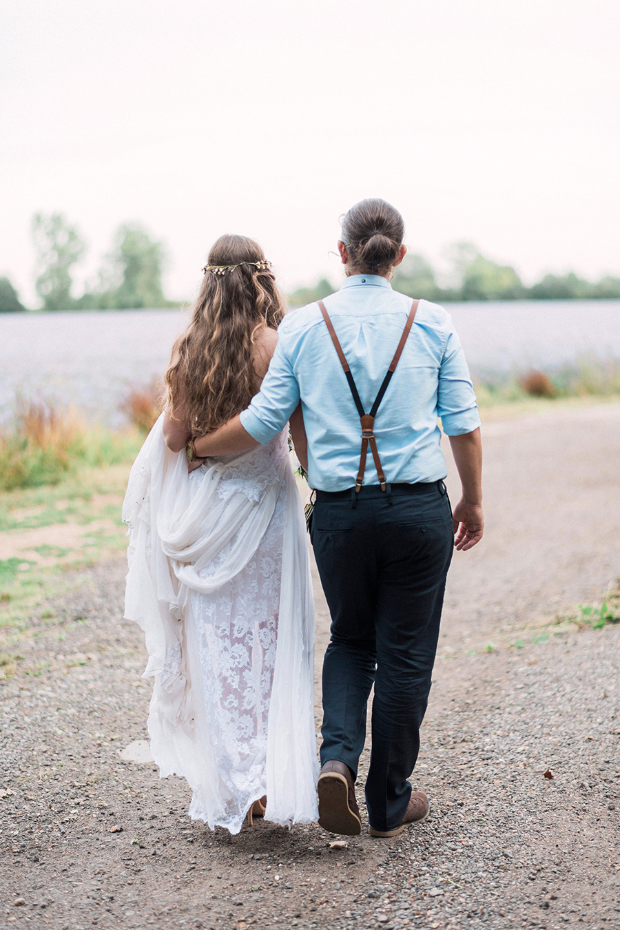 Dreamy boho wedding at Houchins Farm with images by Kathryn Hopkins Photography (36)