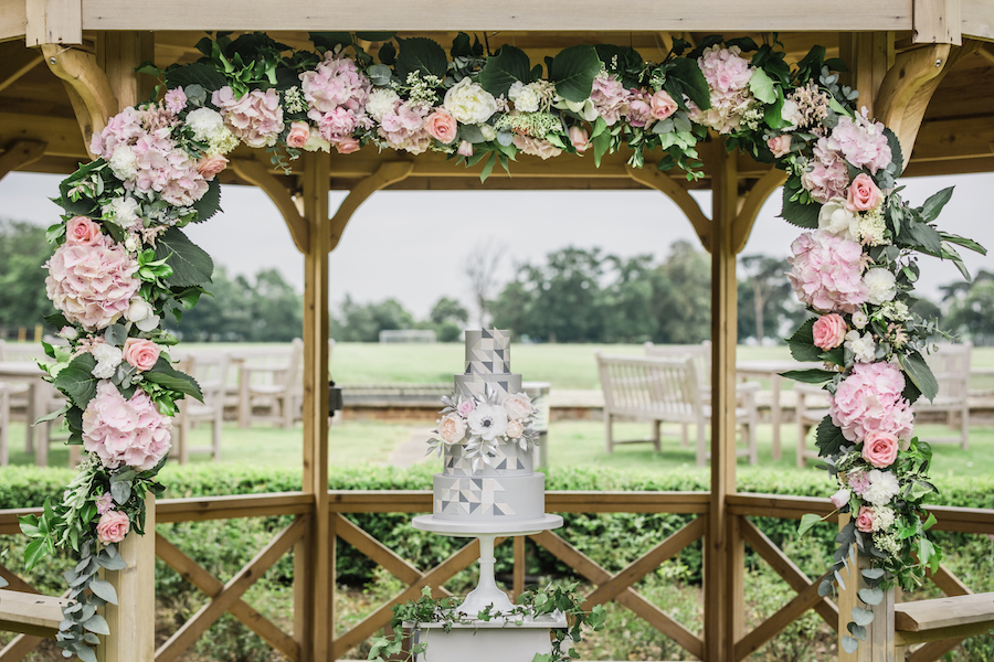 Wedding editorial from Wivenhoe House, image credit Ayshea Goldberg Photography (16)