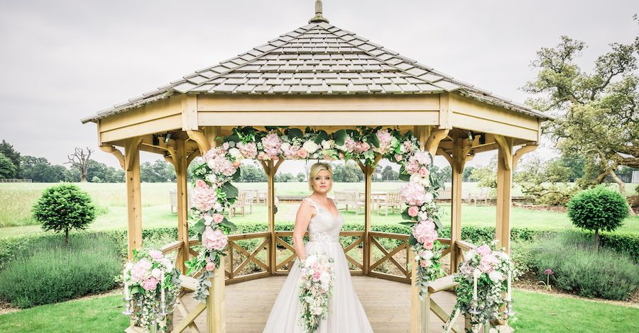 Wedding editorial from Wivenhoe House, image credit Ayshea Goldberg Photography (17)