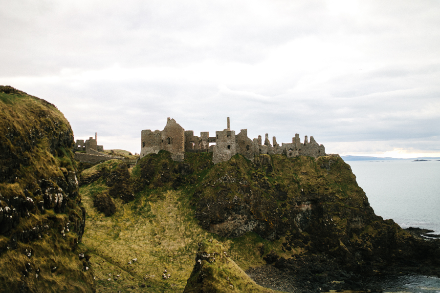 Dunluce Castle elopement Northern Ireland Antrim, images by Luke Flint Media on the English Wedding Blog (16)