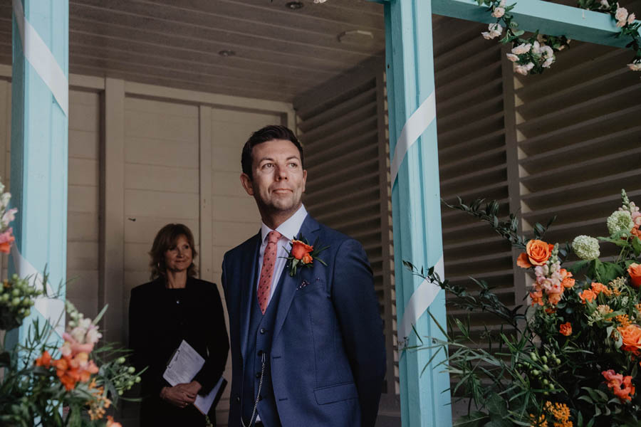 Holly Cade is a Ventnor Botanic Gardens wedding photographer (11)