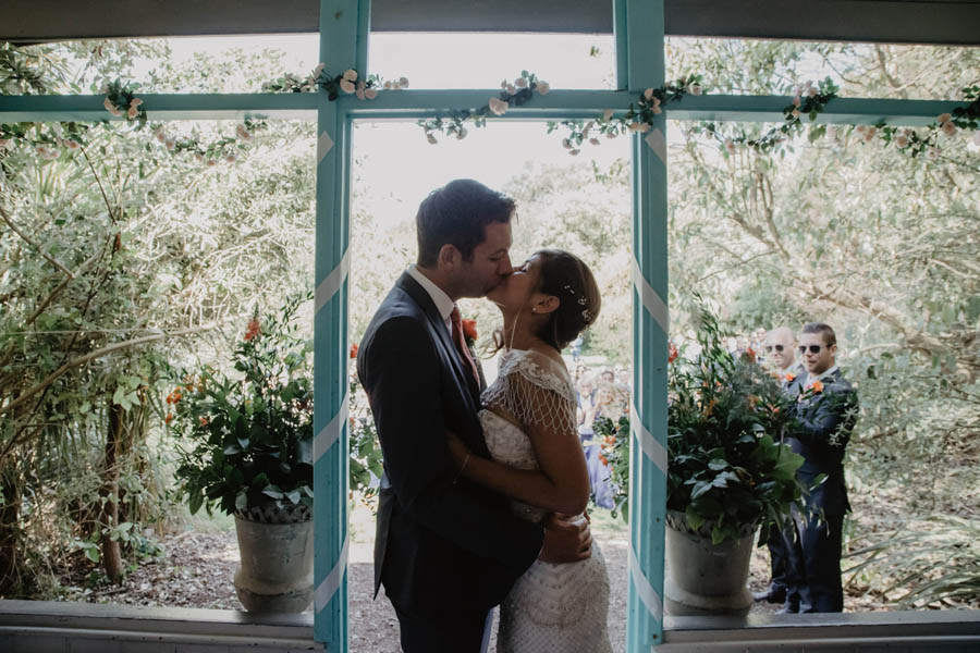 Holly Cade is a Ventnor Botanic Gardens wedding photographer (14)