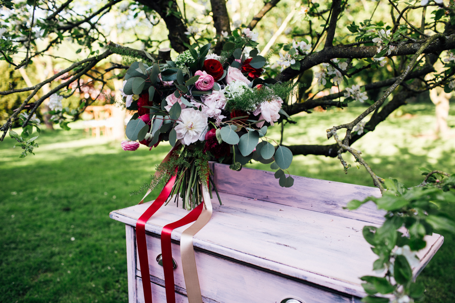 Escheat Farm wedding style inspiration, image by Emily Little (25)