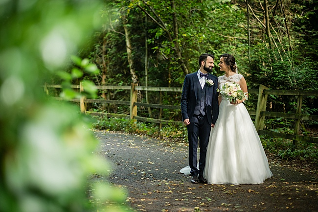 Documentary wedding photographers in Dorset, Linus Moran Photography, Kings Arms Boutique Hotel (24)