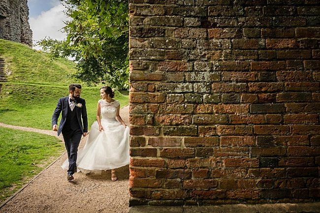 Documentary wedding photographers in Dorset, Linus Moran Photography, Kings Arms Boutique Hotel (21)