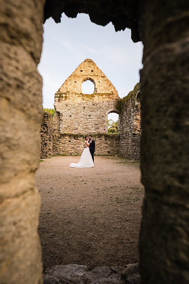 Documentary wedding photographers in Dorset, Linus Moran Photography, Kings Arms Boutique Hotel (6)