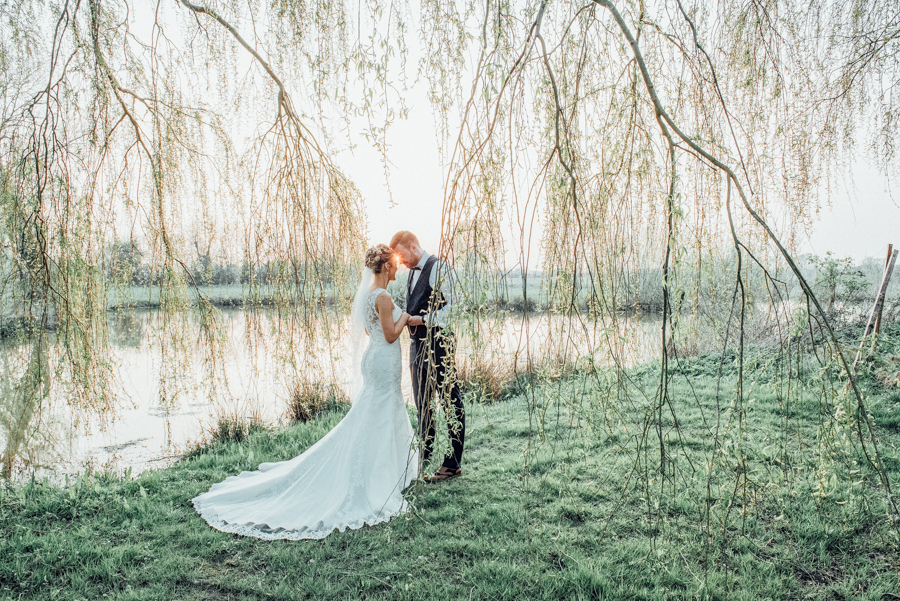Elegant English wedding in Essex, at Lambourne and The Reid Rooms, images by Rebecca Louise Photography (6)