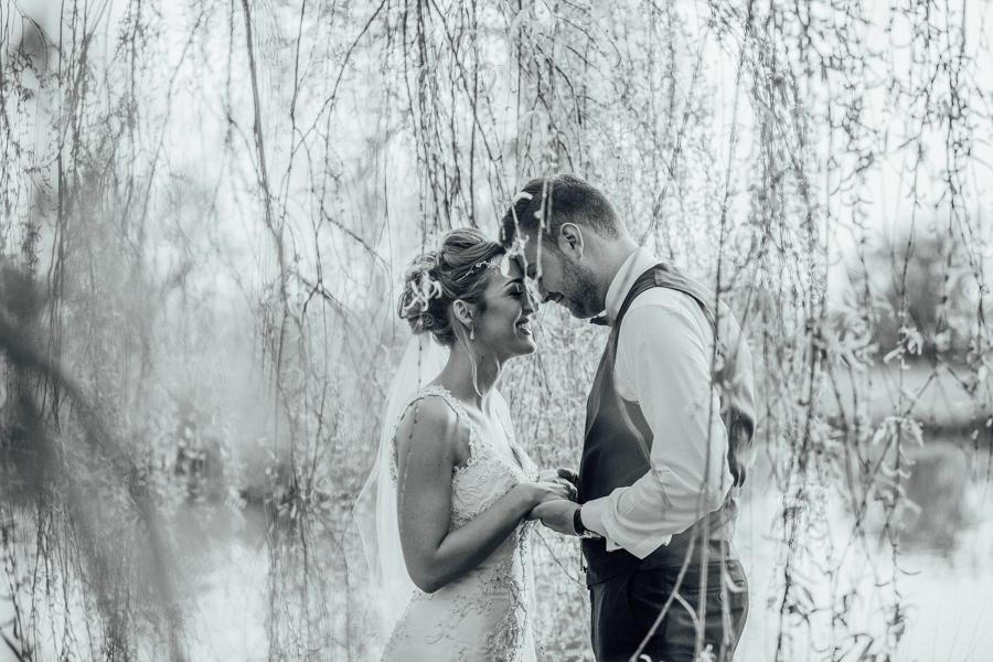 Elegant English wedding in Essex, at Lambourne and The Reid Rooms, images by Rebecca Louise Photography (4)