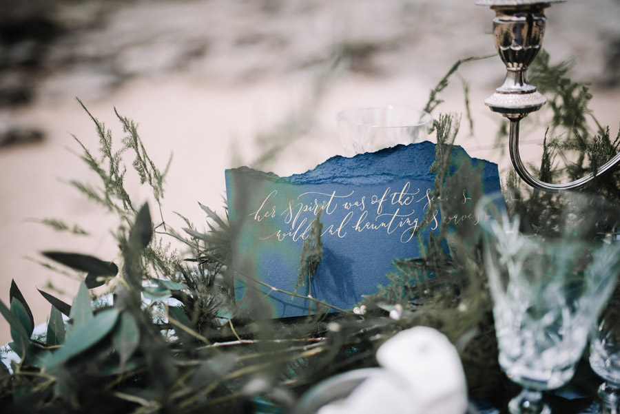 Modern blue styling ideas with calligraphy for an alternative beach wedding (28)
