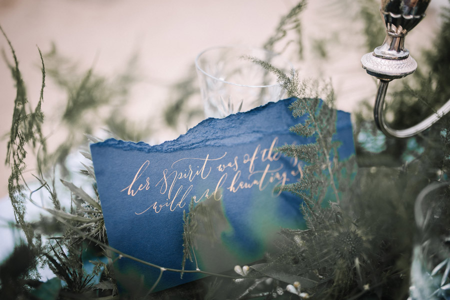 Modern blue styling ideas with calligraphy for an alternative beach wedding (29)