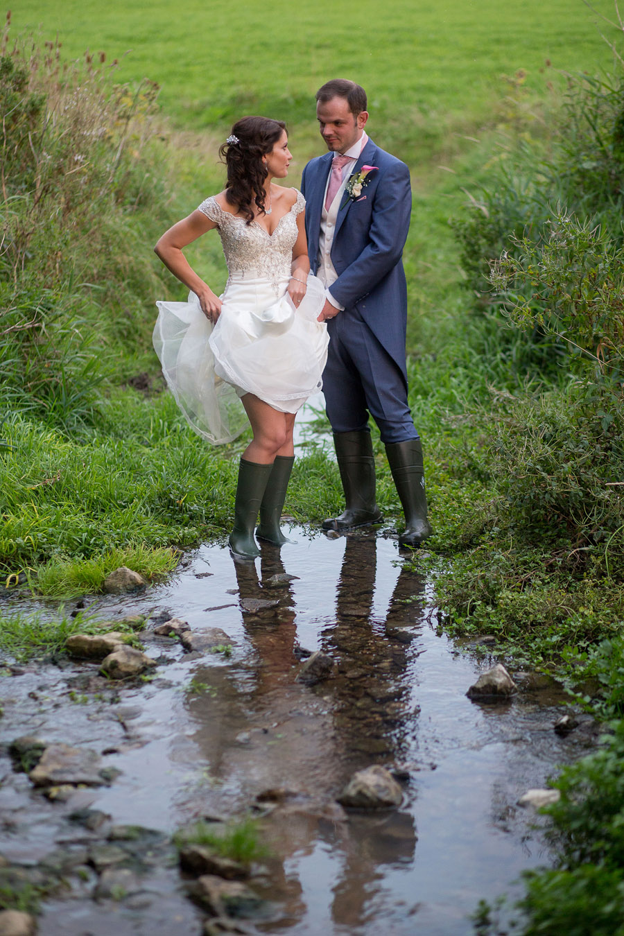 Outdoor wedding at Priston Mill watermill, with images by Martin Dabek Photography on the English Wedding blog (25)