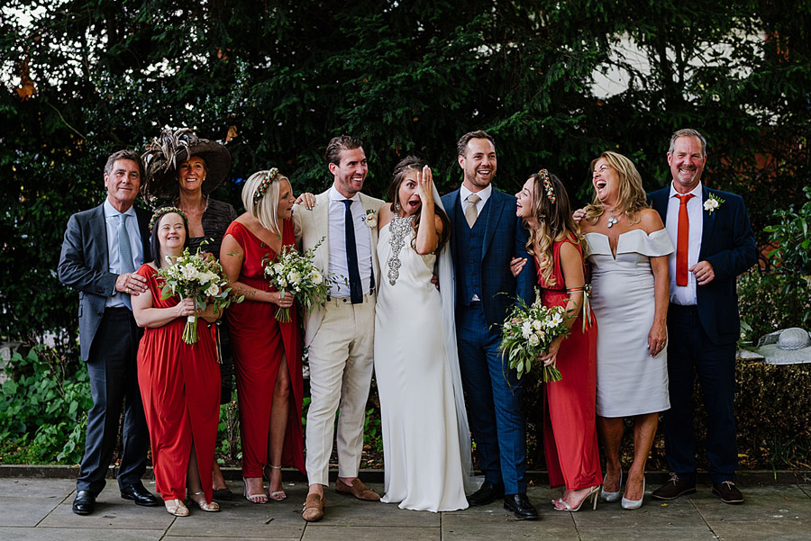 Vibrant boho chic London wedding at The Ivy Chelsea Garden, images by Jonny Barratt Photography (15)