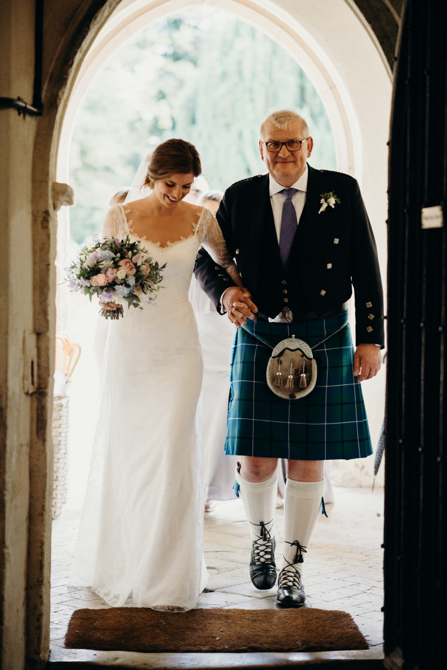 Beautiful English summer wedding with Richard Skins Photography (14)