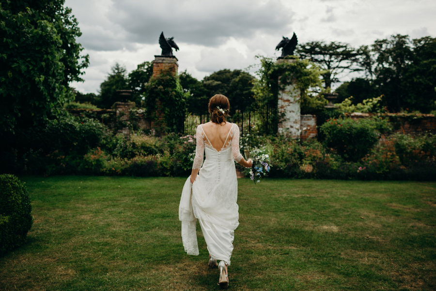 Beautiful English summer wedding with Richard Skins Photography (19)