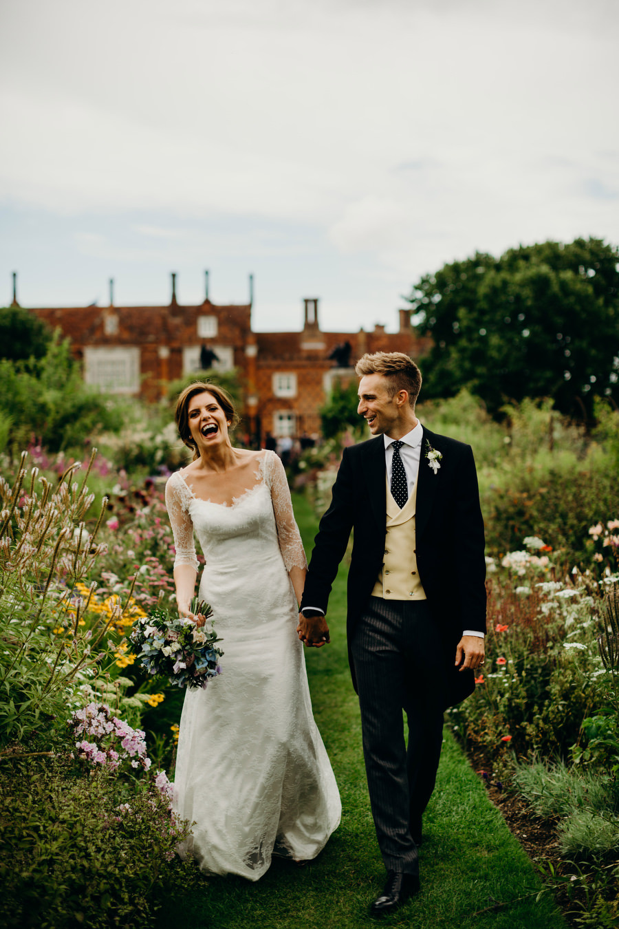 Beautiful English summer wedding with Richard Skins Photography (21)