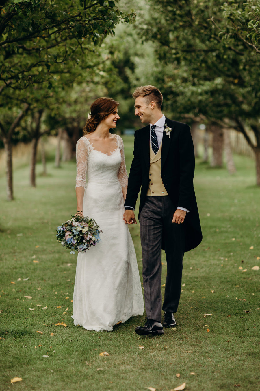 Beautiful English summer wedding with Richard Skins Photography (24)