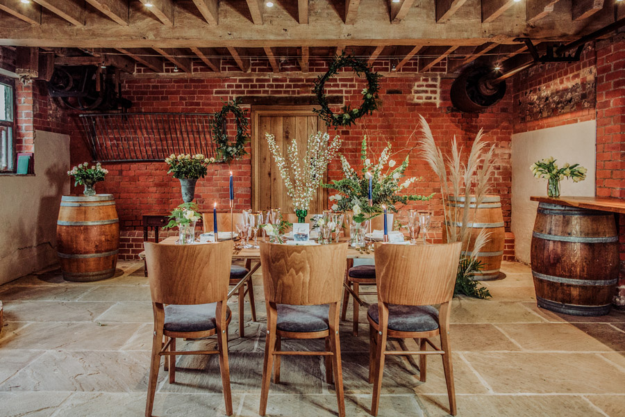 Manor Barn Stonehenge wedding inspiration with Photography by Louisa Jane (4)