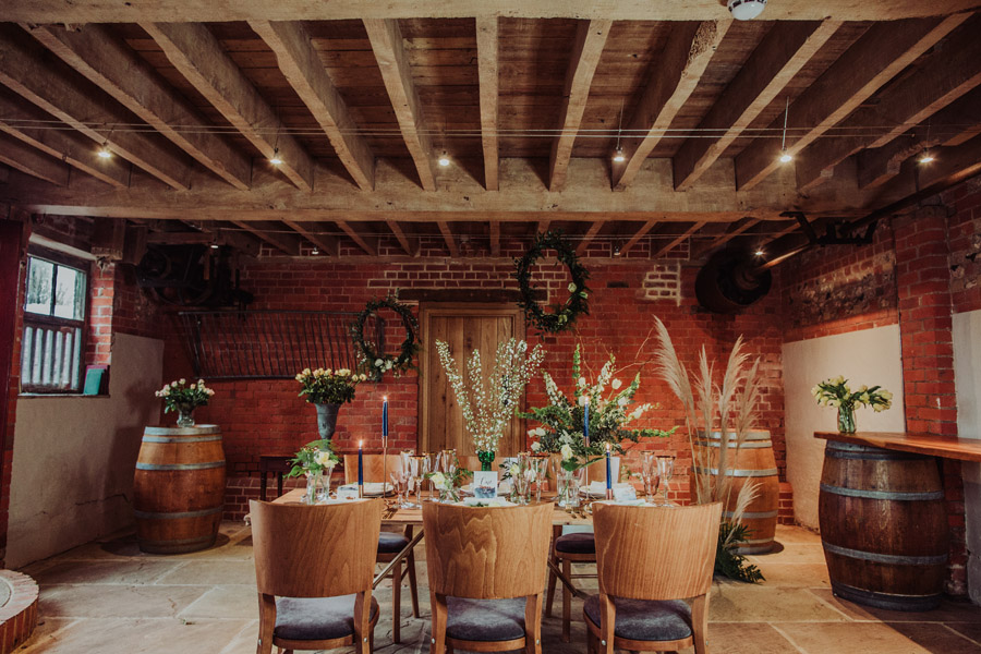 Manor Barn Stonehenge wedding inspiration with Photography by Louisa Jane (5)