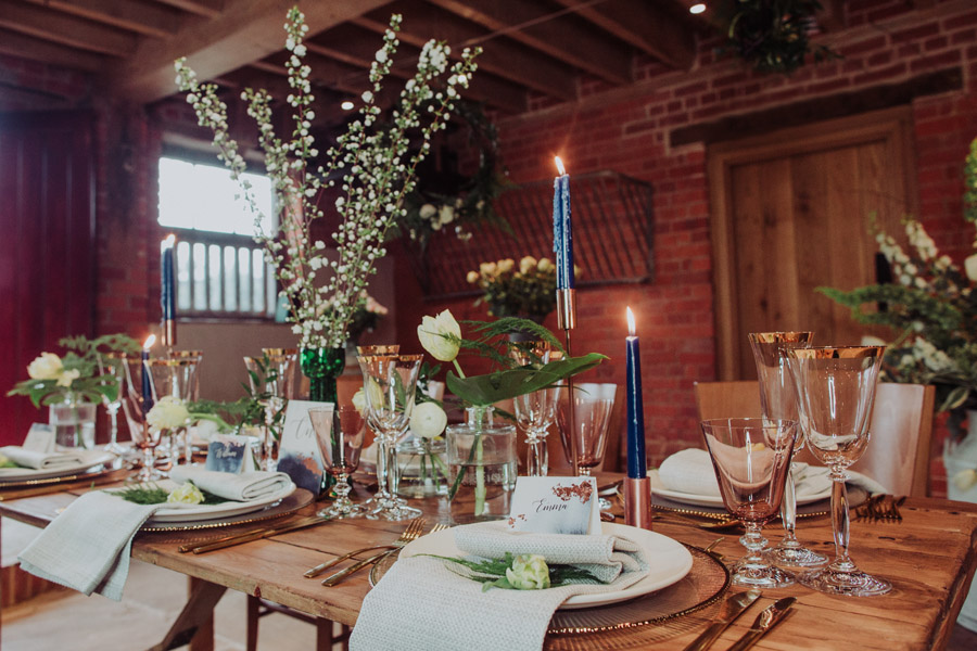 Manor Barn Stonehenge wedding inspiration with Photography by Louisa Jane (6)