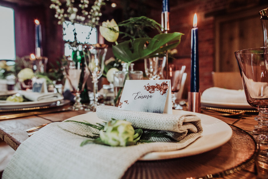 Manor Barn Stonehenge wedding inspiration with Photography by Louisa Jane (7)