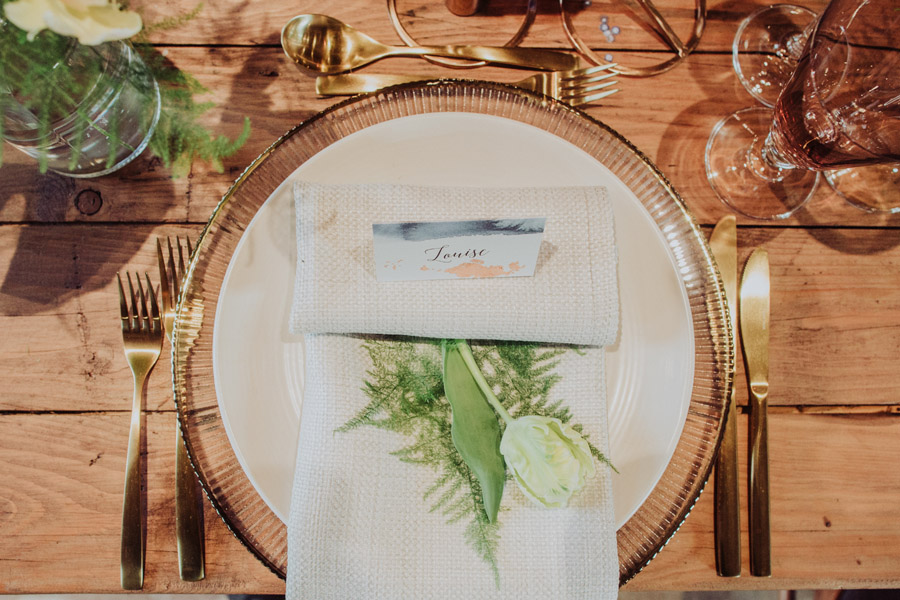 Manor Barn Stonehenge wedding inspiration with Photography by Louisa Jane (8)
