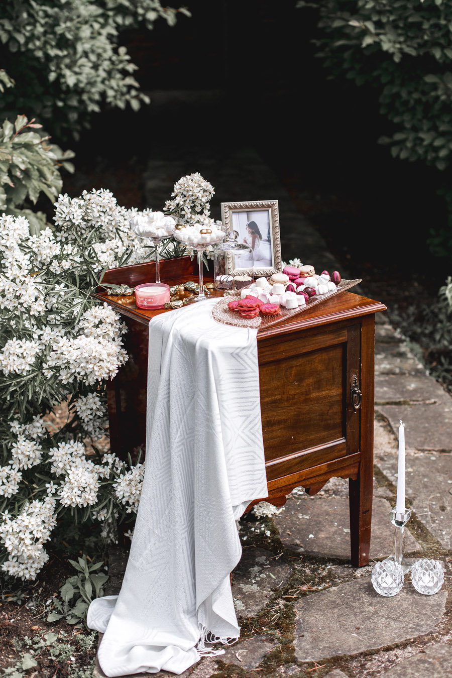 Ye Olde Bell Coaching Inn for a faded beauty wedding style edit with Masha Unwerth (2)
