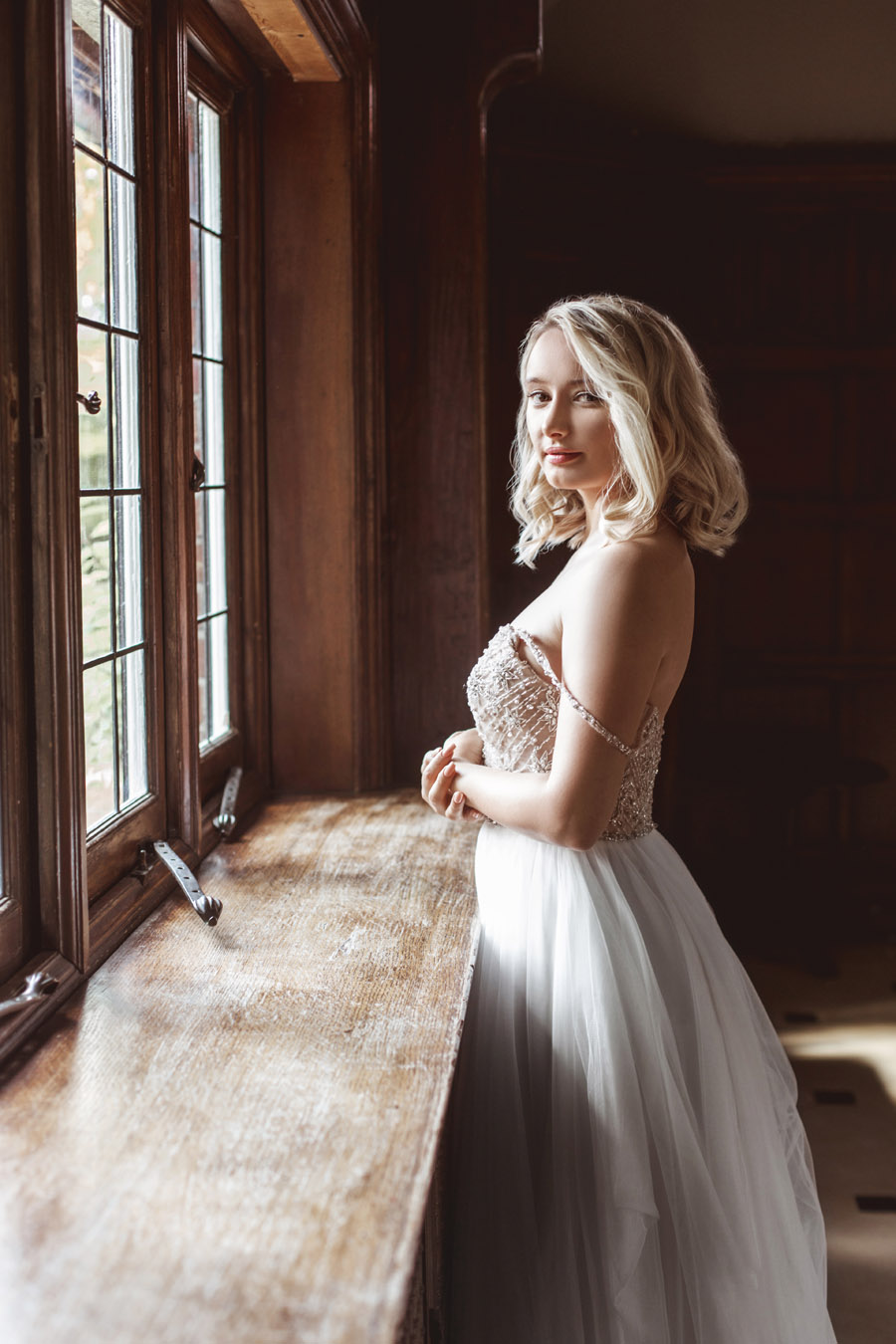 Ye Olde Bell Coaching Inn for a faded beauty wedding style edit with Masha Unwerth (6)
