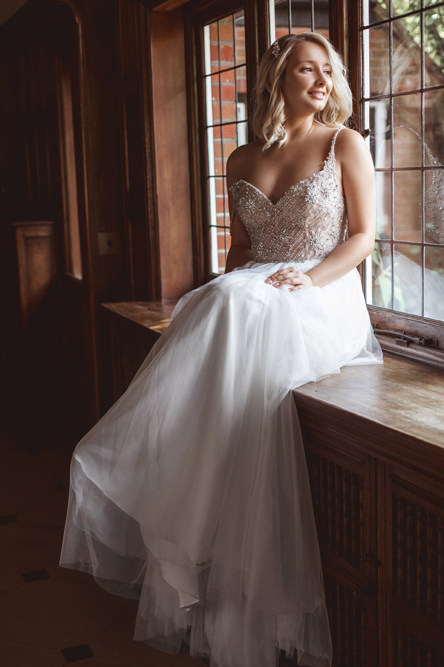 Ye Olde Bell Coaching Inn for a faded beauty wedding style edit with Masha Unwerth (7)