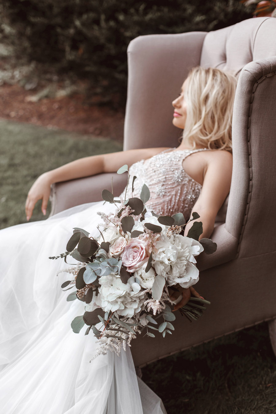 Ye Olde Bell Coaching Inn for a faded beauty wedding style edit with Masha Unwerth (14)