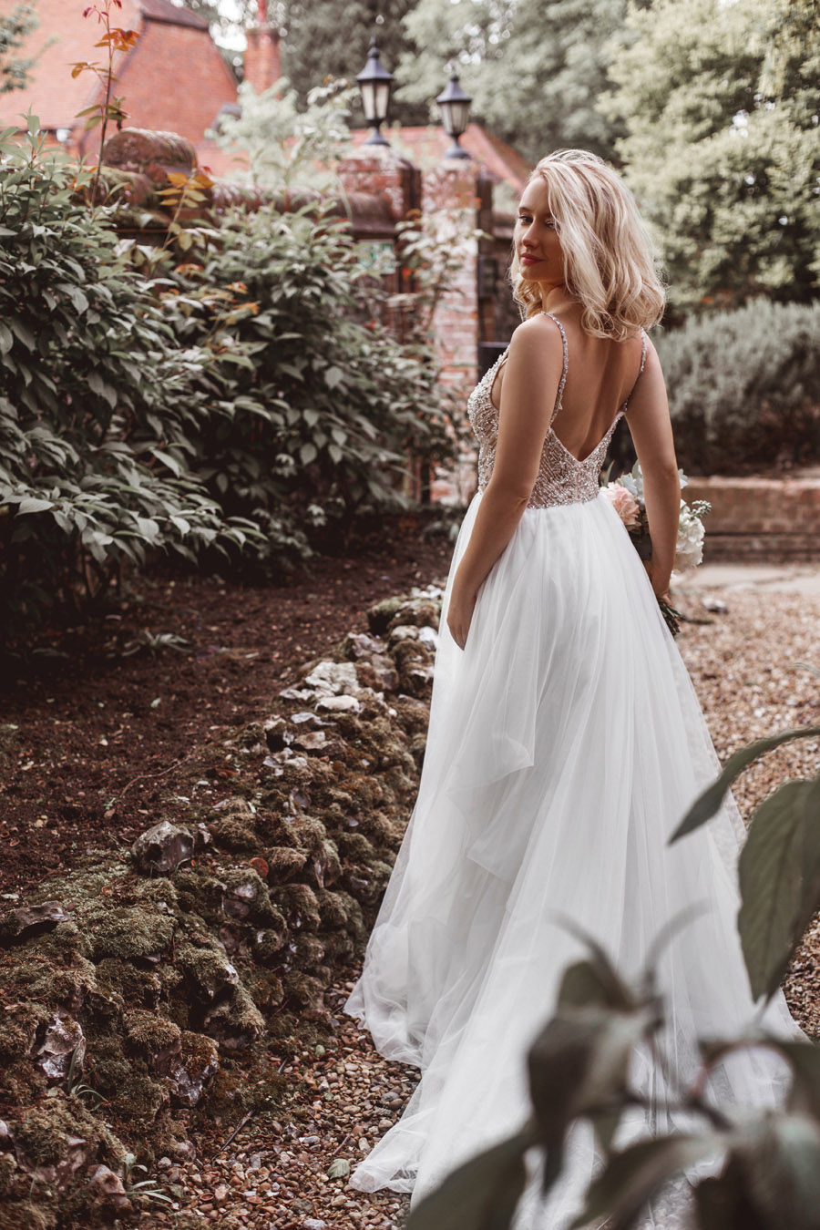 Ye Olde Bell Coaching Inn for a faded beauty wedding style edit with Masha Unwerth (16)