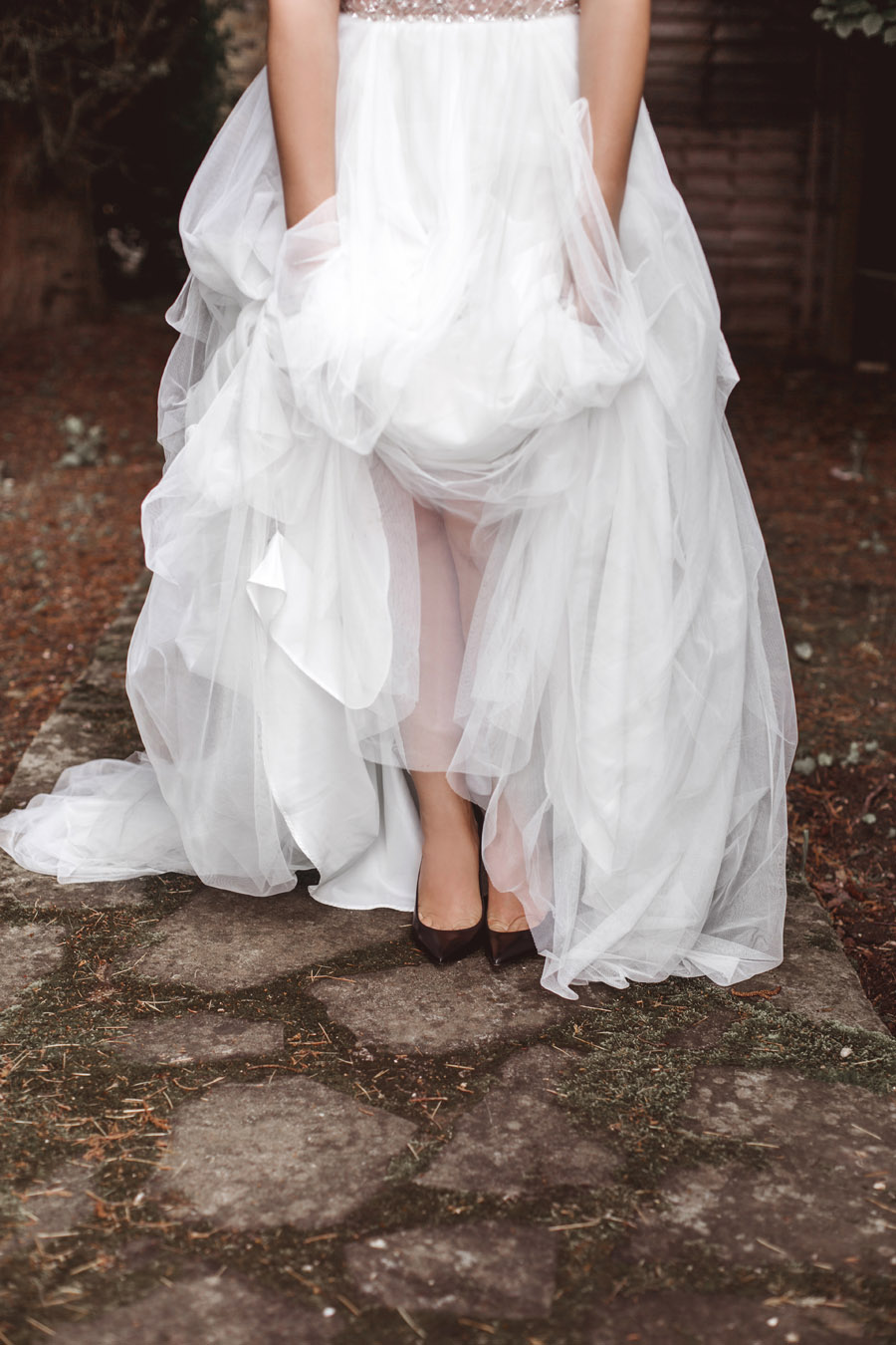 Ye Olde Bell Coaching Inn for a faded beauty wedding style edit with Masha Unwerth (19)