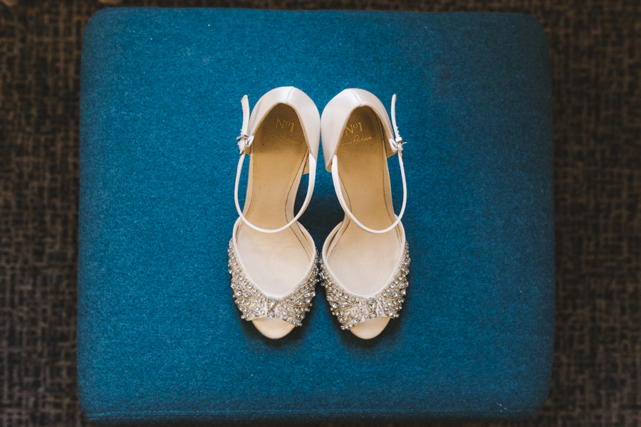 Relaxed and informal modern wedding in Leeds with Anna wood Photography (1)