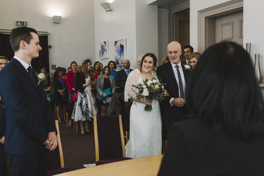 Relaxed and informal modern wedding in Leeds with Anna wood Photography (7)