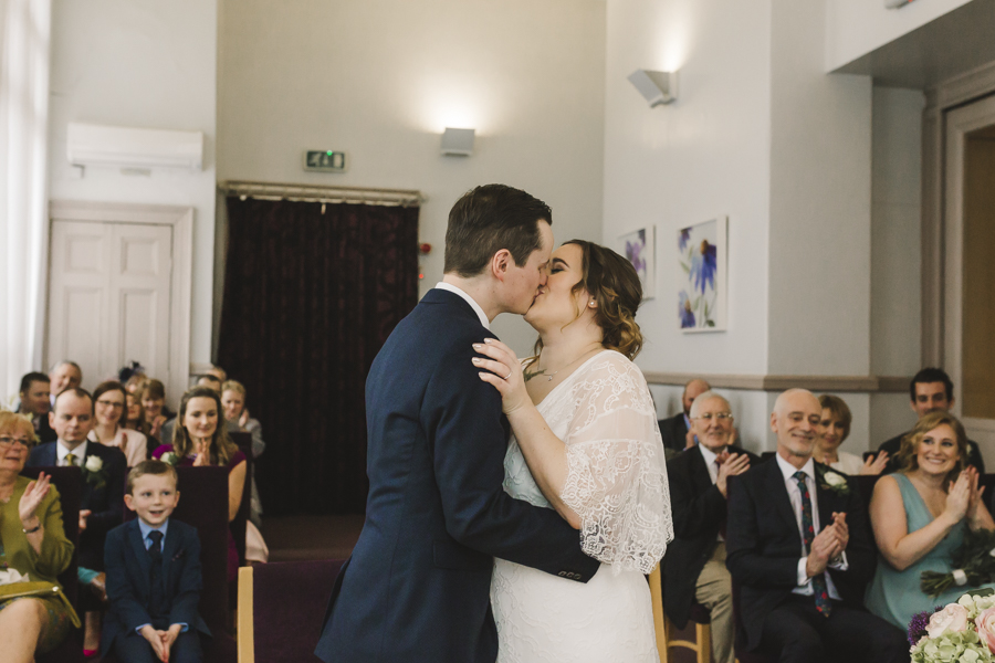 Relaxed and informal modern wedding in Leeds with Anna wood Photography (9)