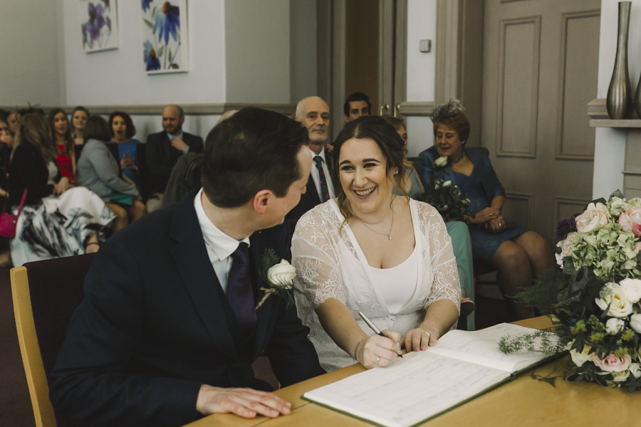 Relaxed and informal modern wedding in Leeds with Anna wood Photography (10)