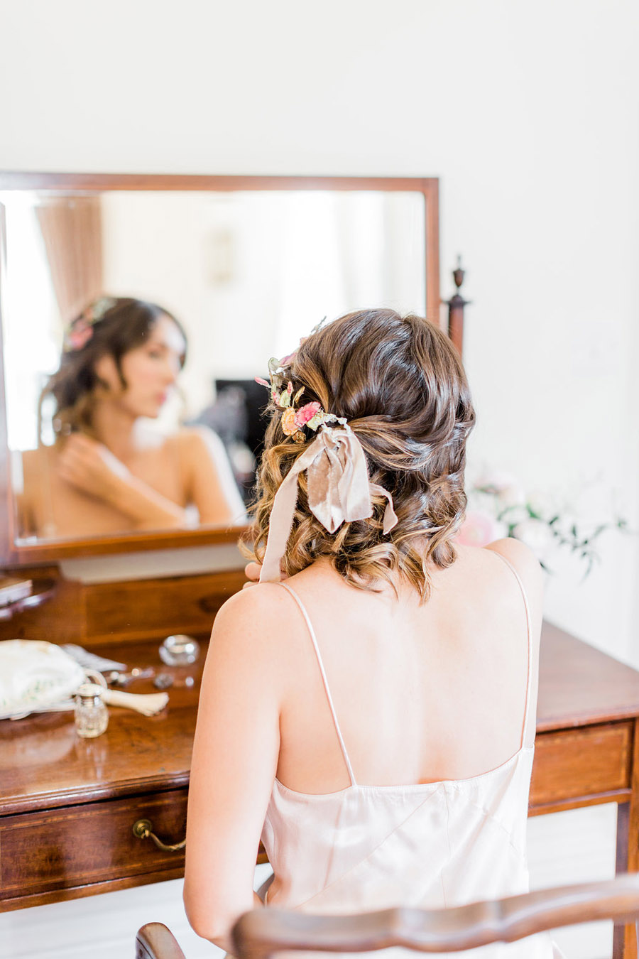 Jane Austen wedding style inspiration from Oxford Hall, with Katy Melling Photography (13)