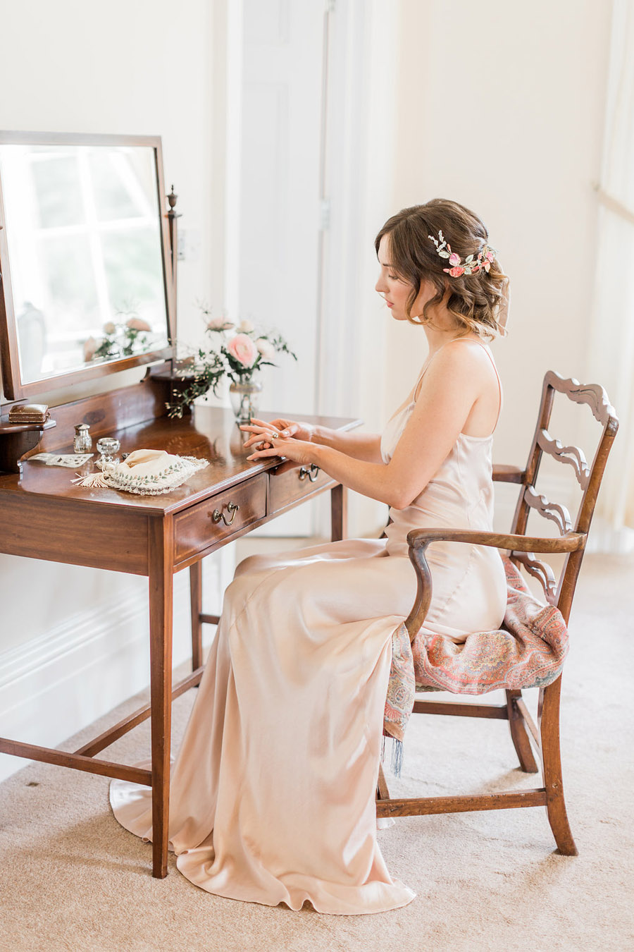 Jane Austen wedding style inspiration from Oxford Hall, with Katy Melling Photography (15)